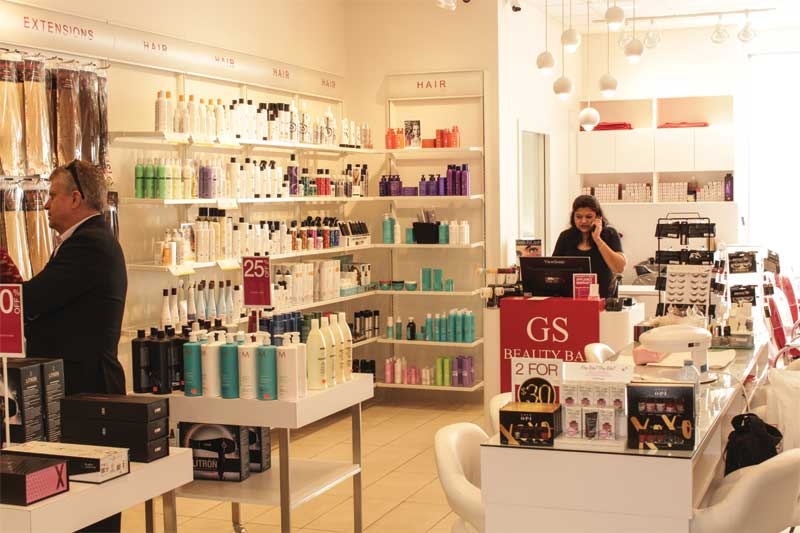 Trade Secrets and its Glamour Secrets Beauty Bar concept appealed to me right away because they were part of the ever-popular beauty industry.