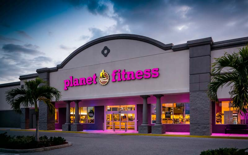 Planet Fitness will open its second location in Winnipeg next month.
