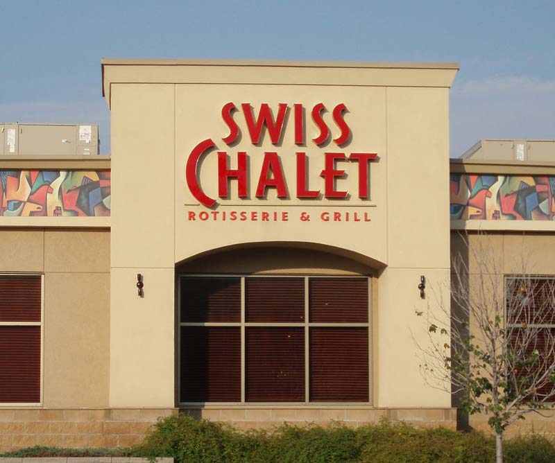 Recipe Unlimited, the franchisor for Canadian brands Swiss Chalet and Harvey's, is dropping the use of plastic bags in its network of restaurants.