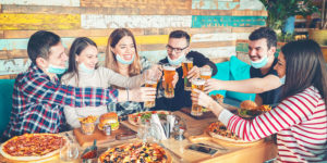 As part of Red Tape Awareness Week, the Canadian Federation of Independent Business (CFIB) is awarding praise to governments which allowed restaurants to sell alcohol and takeout, as well as expand dining spaces.